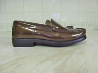LADIES ROGERSON SHOES. NEW UNWORN PATENT LEATHER, COPPER/BRONZE COLOURED LOAFERS SIZE 3 (EU36)