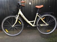 Ladies Traditionally Styled Bicylce
