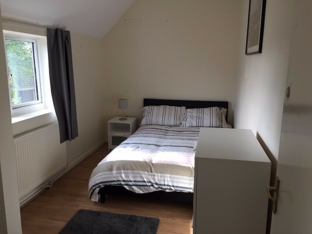 Furnished Room, V. Large Kitchen in Great Location Halfway Between City & University of Southampton
