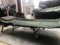 Nash H-Gun bed chair / TFGear sleeping bag / TFGear bed assortment bag and A bed chair bag