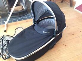 Oyster 2 carrycot with rain cover and mattress