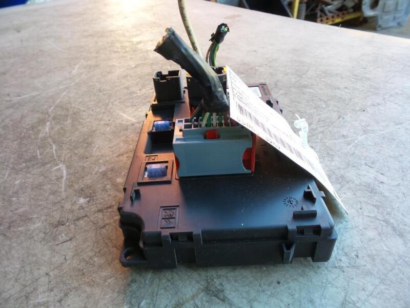 2005-2009 3 mm Rubber Black with Black Trim Connected Essentials CEM300 Car Mat Set for Peut 1007