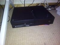 Xbox one 500gb plus wireless pad plus games