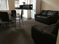 3 Bedroom house, double rooms, close to uni, transport, Oxford Rd, new bathroom, kitchen, shops