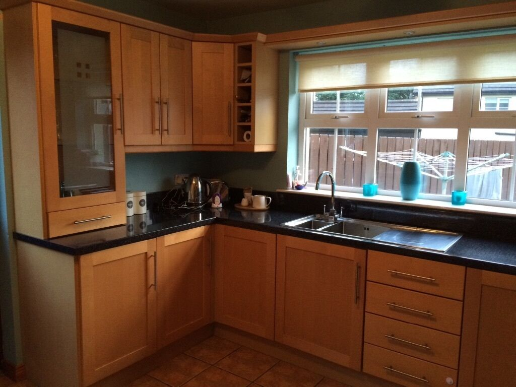 Kitchen units kitchen cupboards doors and worktops for for Kitchen cabinets gumtree
