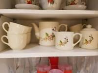 Tea set in cream