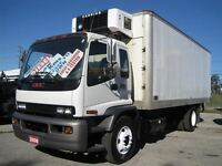 2006 GMC Topkick 20 FOOT REEFER TRUCK WITH POER LIFTGATE