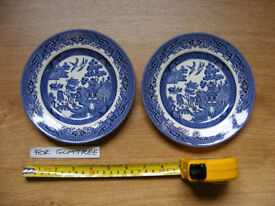 2x Barratts of Staffordshire dishes. Blue and white. Excellent condition.