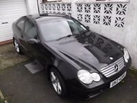 mercedes c220 cdi, coupe 2003 MOT 12 March. Very good condition