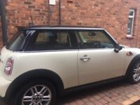 Mini Cooper with Chili Pack. Bargain price for great little car. Genuine reason for sale.