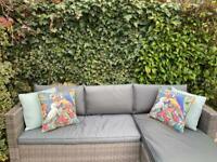 4 x garden pillows