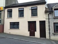 TO LET NICE 3 BEDROOM TERRACED HOUSE IN RATHFRILAND TOWN CENTRE DROMORE ST OFCH PARTLY FURNISHED