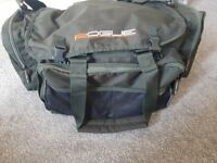 Fishing bag with loads off tackle