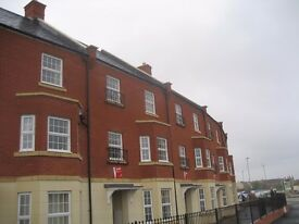 4 Bed Townhouse 2 bathrooms, Including garage and parking