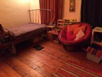 Large furnished double Room to rent in professional house share Montpelier Bristol