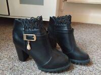 Pretty NEVER WORN boots 37.5 (EU) 4.5 (UK)