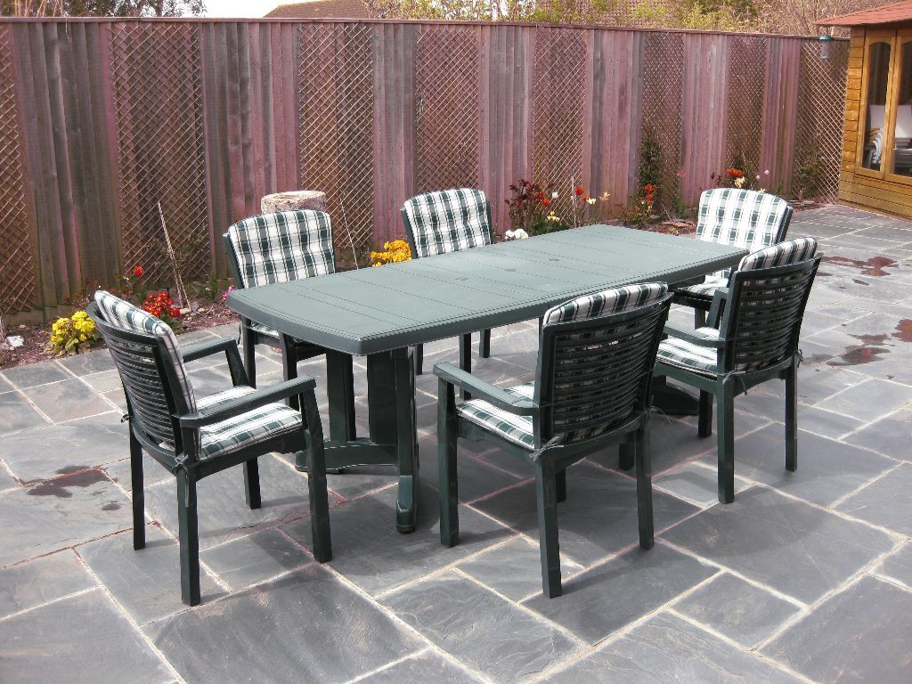 Sturdy Quality Patio Furniture Set by Lawn fort
