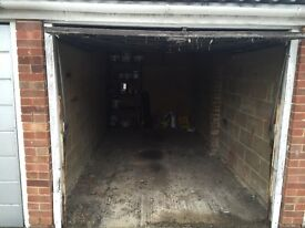 Garage to rent in Borehamwood - available now!
