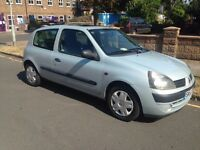 Renault Clio (silver), great service history, year's MOT (31/08/17) Selling due to move to London