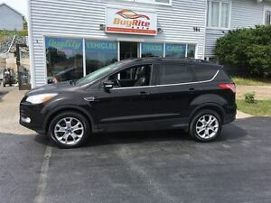 2013 Ford Escape SEL AWD, Btooth, pan roof.