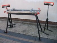 universal tool stand with two single roller stands. ideal for working on long materials.