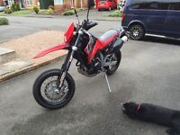 Ktm 640 lc4 Supermoto only done 5600 miles! Includes off road wheels and tyres
