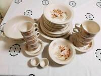 44 items Pool Pottery crockery/tableware/dining set odds and ends