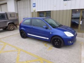 Ford Fiesta ST 2.0 litre 2005 61k miles Big exhaust and Black alloys