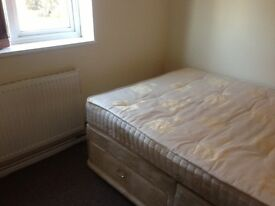 A Large Single Room is available near Gatwick and Industrial Estate