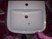 Ideal Standard Tempo Full Pedestal (T422401) and Basin (T058801)