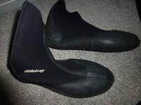 billabong wet suit boots