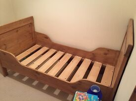 Gorgeous antique solid wood single bed frame