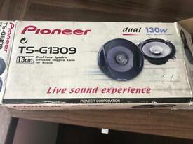 Brand new Pioneer 5.25 inch speakers