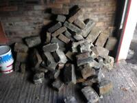 Cobbles/blocks