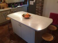 Kitchen Island/Breakfast Bar (used-in excellent condition) 177cm long x 90cm wide x 92cm high