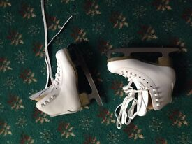 Girls Ice Skates white size 13 New English