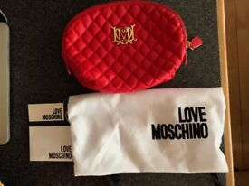 LOVE MOSCHINO ultravox Quilted Cosmetic Case Red
