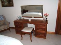 Bedroom Furniture: Bedside Cabinets / Chest Drawers / Dressing Table