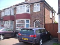 Single Bedroom/Bed In A Quiet Clean House Wi-Fi Share Facility Rent Includes Bills Colindale NW9