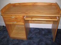 Solid pine compurter desk