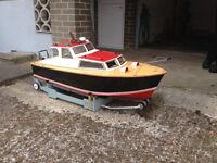 RC Honda Model Boat