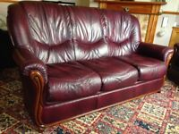 3-Piece Leather Suite - 3-seater Sofa / Couch + 2 x Armchairs / Chairs Burgundy & Wood Design