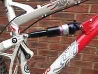 Proflex Enduro 788 mountain bike Medium frame 26 inch wheels