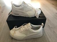 Nike air max Thea *NEW* women's uk size 6 white premium leather