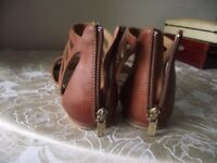 Nine West Girls/ ladies Leather Sandals Size 1