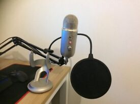 Blue yeti +pop filter + stand + used arm mic stand