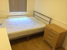 NICE 2 Bedroom Flat to Rent in Leyton, E10 6DA.. AVAILABLE NOW ! ..£1500PCM! THIS IS WILL GO QUICK !