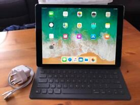 Apple iPad Pro 12.9 2nd gen 512gb WiFi and cellular with apple smart keyboard