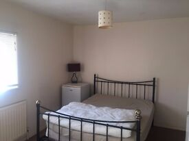 HATFIELD LARGE DOUBLE ROOM