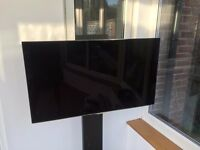 """Samsung 40"""" UE40F8000 LED HD 1080p 3D Smart TV with Stand"""